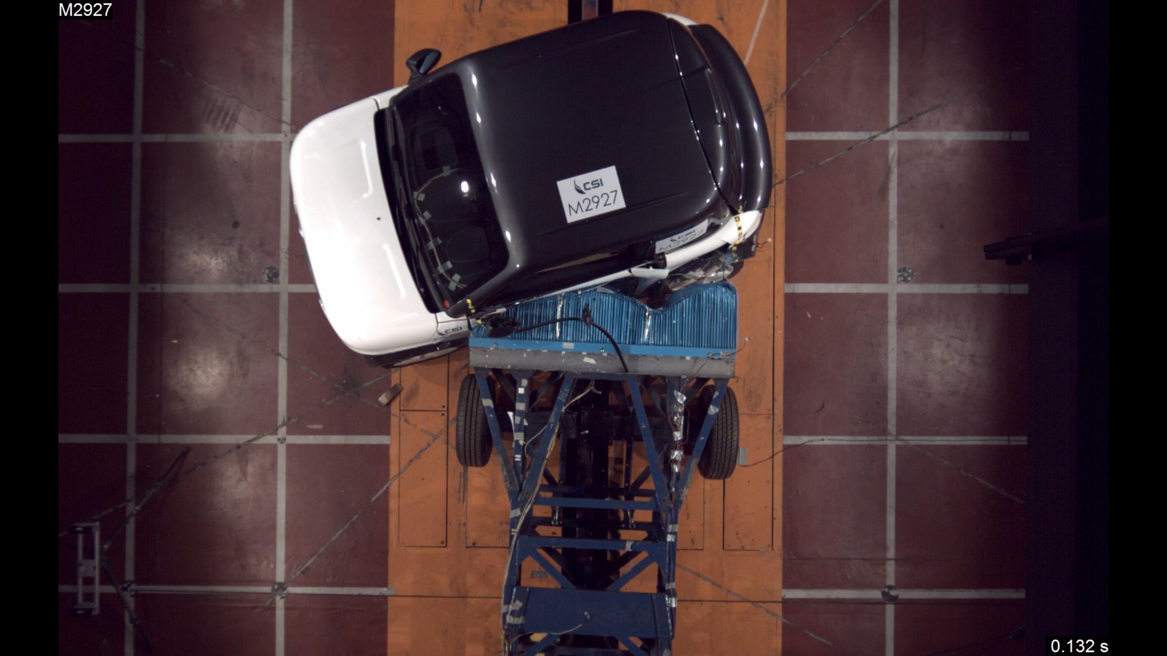 Tazzari EV Zero EM2 Space electric safety car side crash test passed 2017